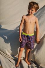Garçon portant un maillot de bain à ceinture élastique Meno graffiti