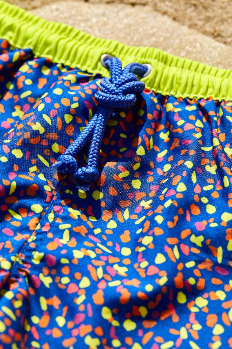 Focus swimsuit for boys with elasticated belt Meno graffiti