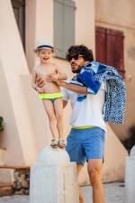 Petite fille portant une culotte de bain Sunny Atolls