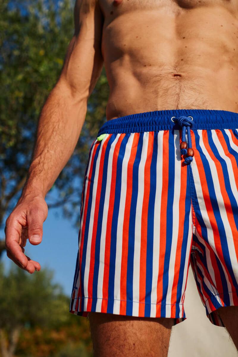 Homme portant un maillot de bain à ceinture élastique La Baule