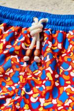 Homme portant un maillot de bain à ceinture élastique La Samaritaine