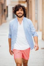 Man wears a Mixed Blue  mao collar shirt